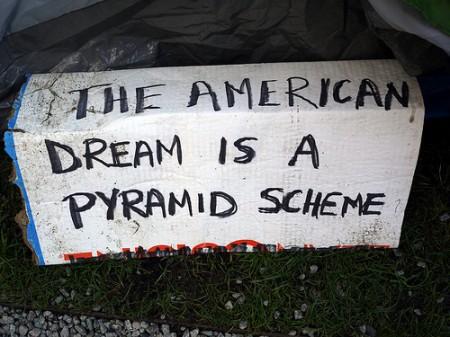 Pyramid-scheme450