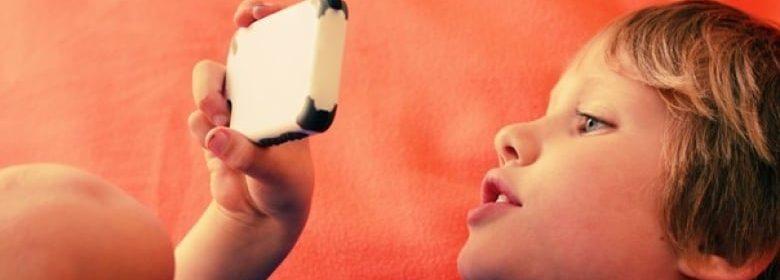 Smart Devices Stunt Children's Speech